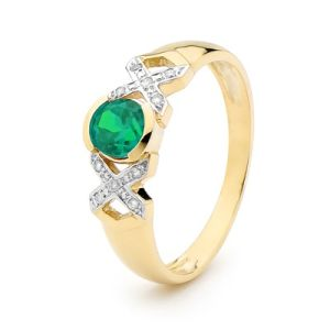 Image of Emerald and Diamond Gold Ring - XOX (25376/G)