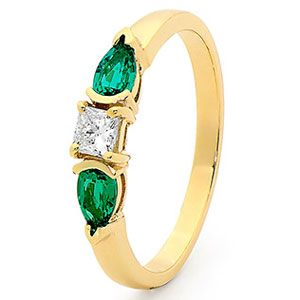 Emerald and Diamond Gold Ring - Trilogy