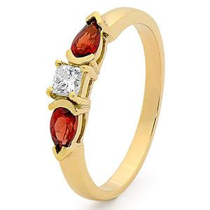 Image of Garnet and Diamond Gold Ring - Three Stone (25506/GT)