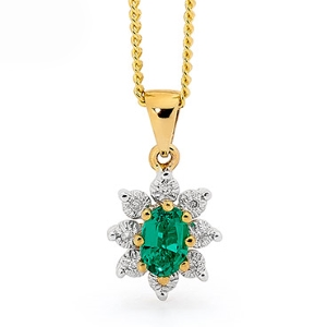 Image of Emerald and Diamond Gold Pendant - Cluster (62903/G)